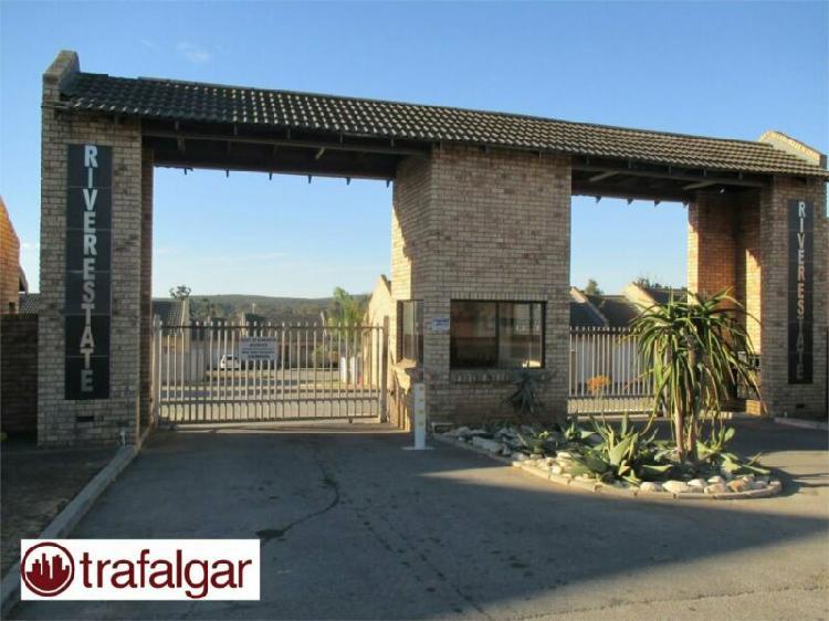 2 bedroom townhouse to rent in despatch central