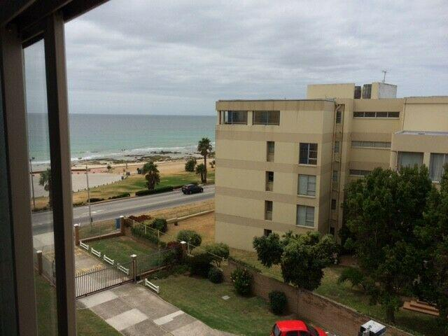 2 bedroom furnished apartment on hobie beach summerstrand.