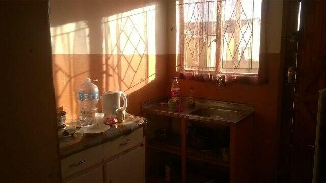2 bedroom flat in Bloemendal to rent for R2500 including