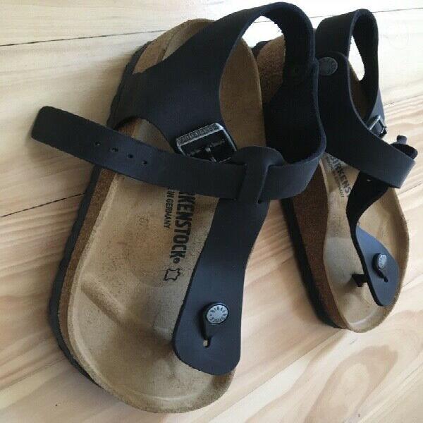Brand new black Ladies Birkenstock Gizeh sandals with