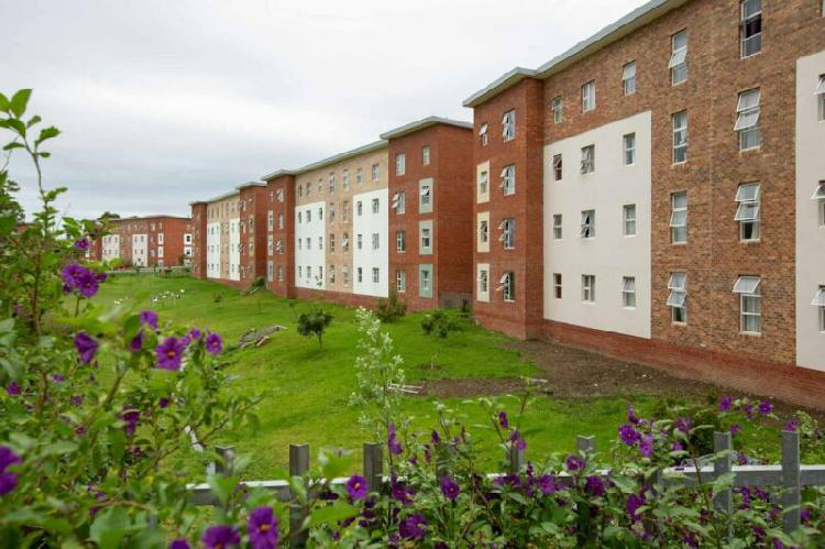 Neat central 2 bedroom flats for rent, reservoir mews,