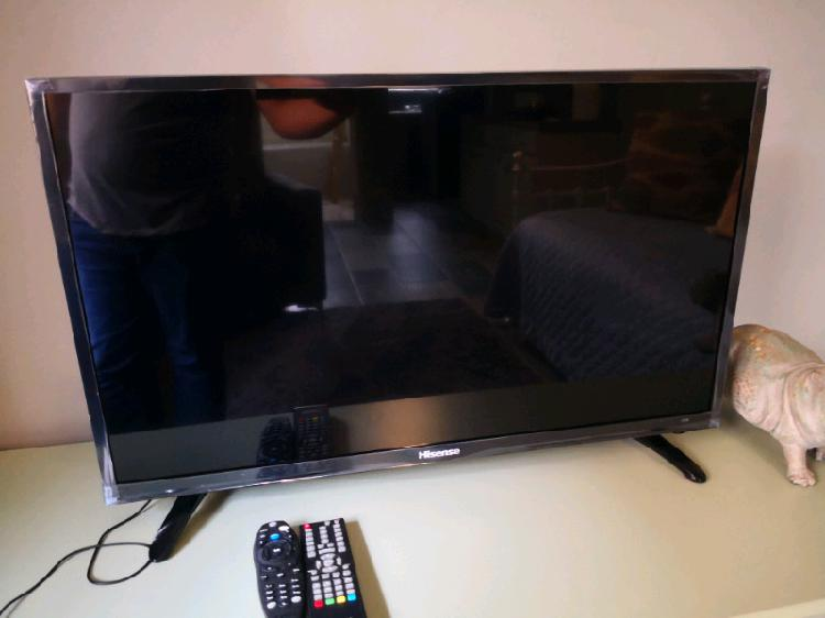 Hisense 32 inch led tv in excellent condition.