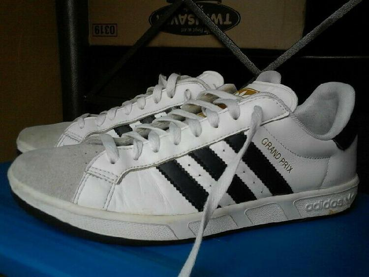 R300 second hand adidas grandprix sneaker uk9 for sale