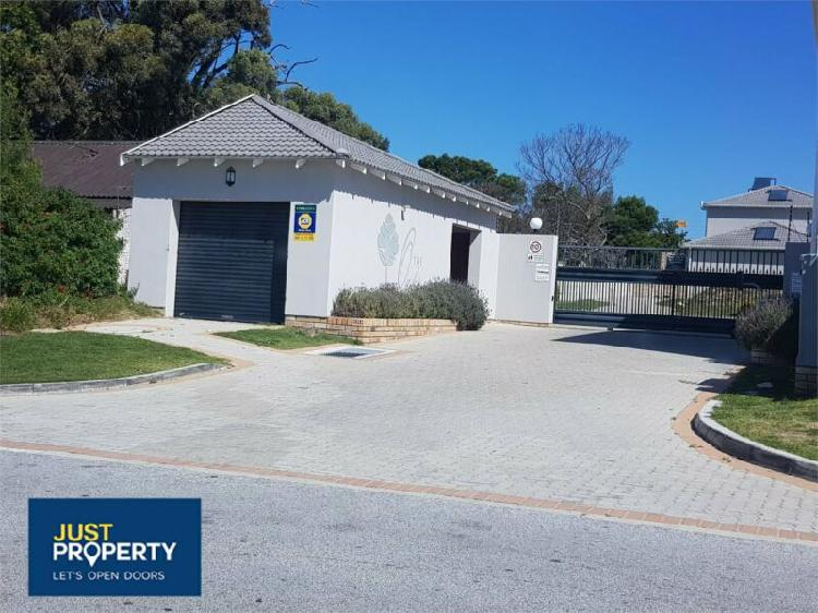 Duplex in port elizabeth now available
