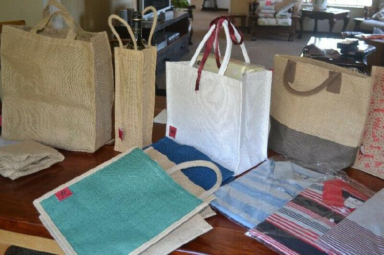 Natural shopping and hand bags.