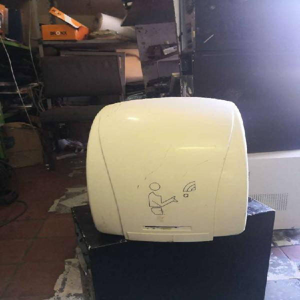 Electric hot air hand dryer