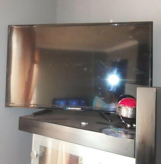 """Blaupunkt 32"""" tv"""