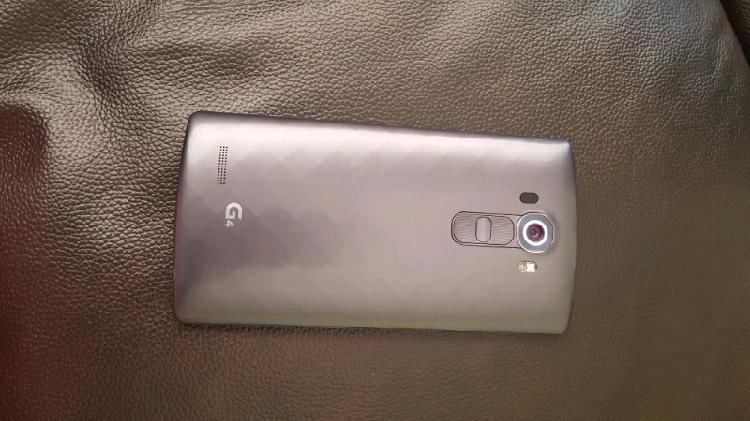 Lg g4 phones, excellent condition