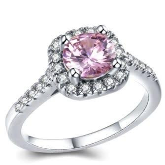 Beautiful 1.30ct cr.diamond engagement ring, round halo.