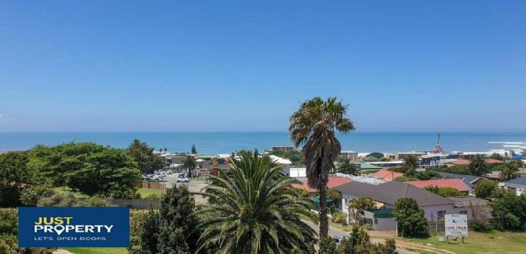 2 bedroom apartment for sale in central jeffrey's bay