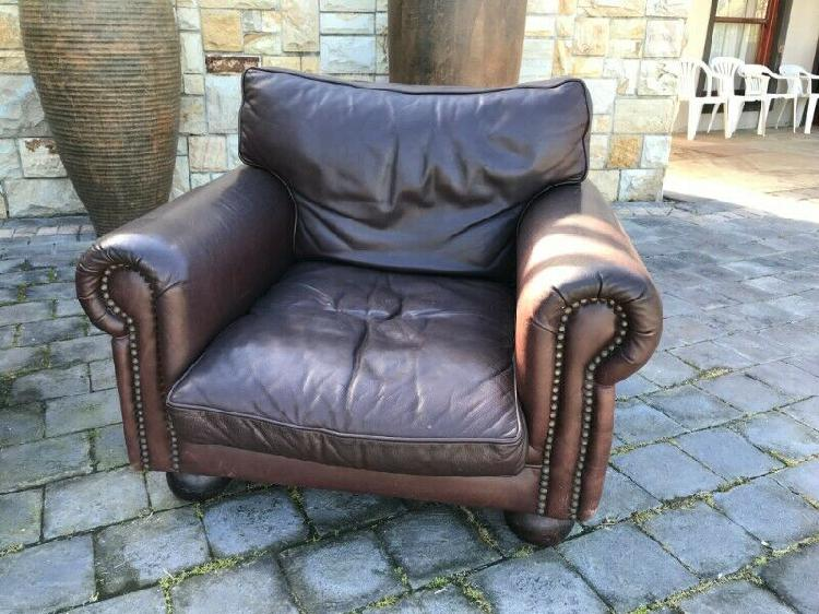 Leather Couch 【 Offers December 】 Clasf