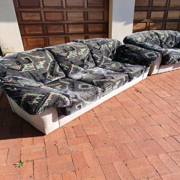 Lounge suite couches for sale