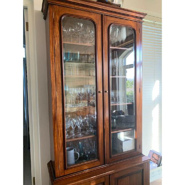 Solid wood/glass display cabinet