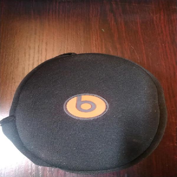 Beats solo hd headphones by dr dre
