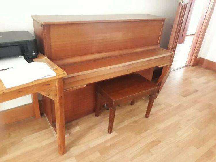Piano, upright zimmermann