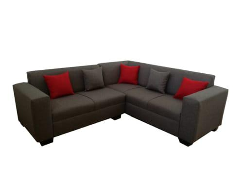 Corner couch ***free shipping***