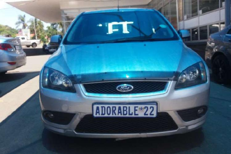 Ford focus 1.6 5 door ambiente 2009