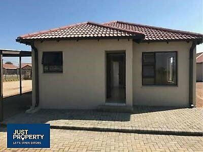 2 modern tuscany town house in grassland for sale