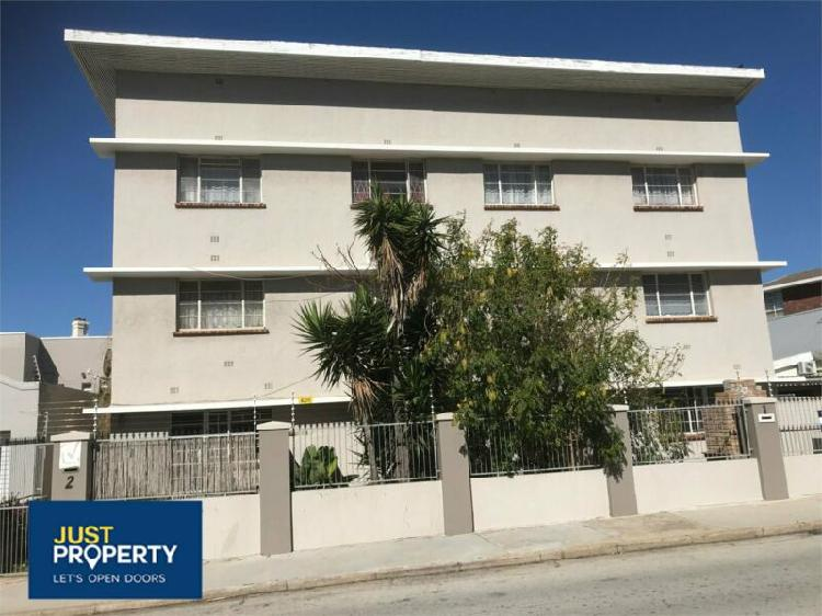 Flat in port elizabeth now available