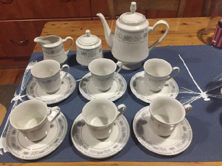 Tea Set - Fine Porcelain By Northridge China - Excellent