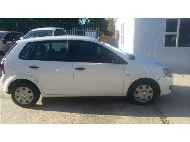 Volkswagen polo vivo hatch 1.4 trendline, white with