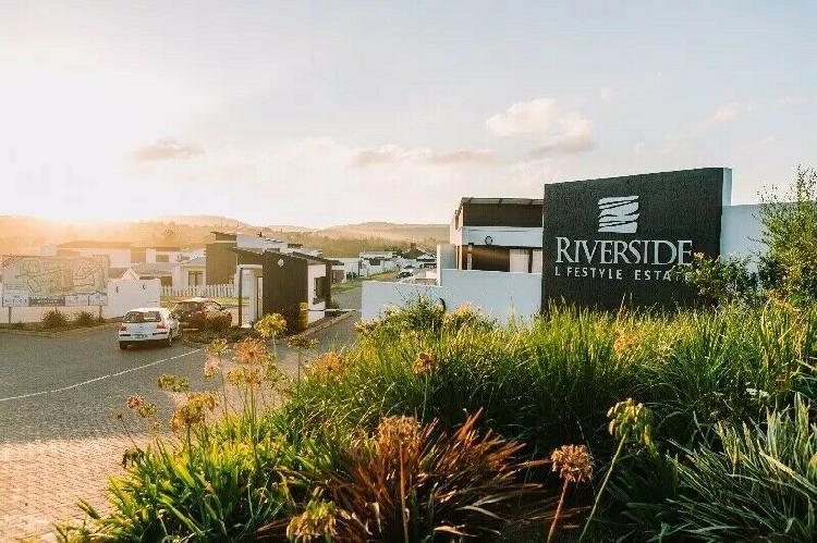 2 bedroom duplex in riverside lifestyle estate