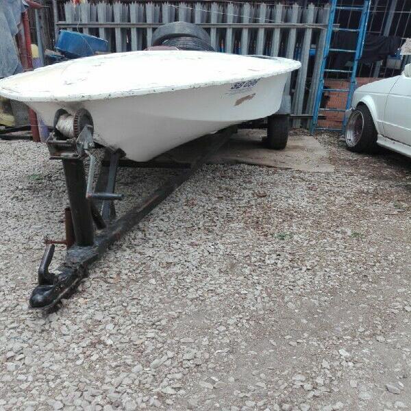 Boat on trailor r1500 bargain