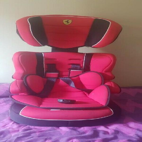 Stylish car seat for toddlers ! negotiable prices