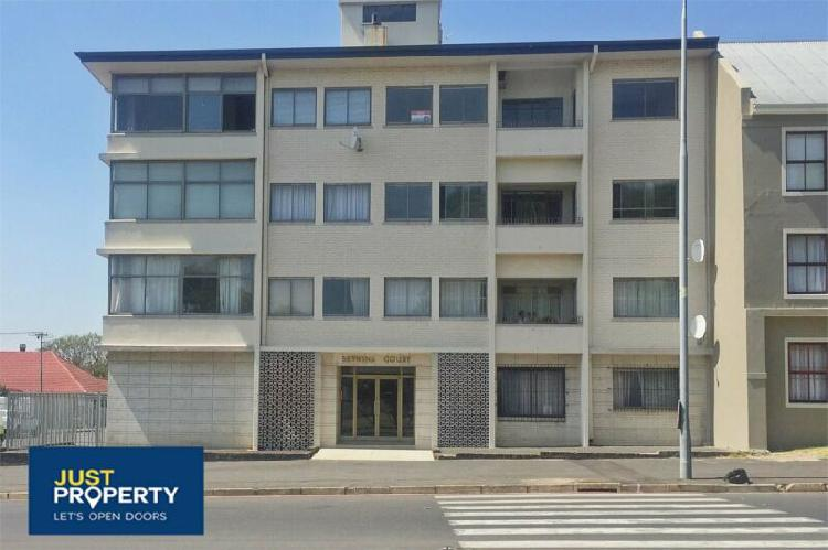 Flat for rent in paarl south