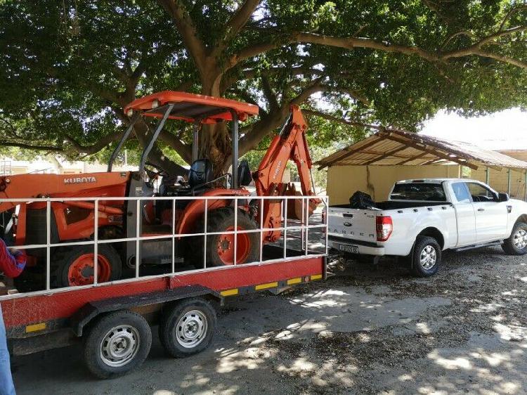 Motor vesicle trailer for sale