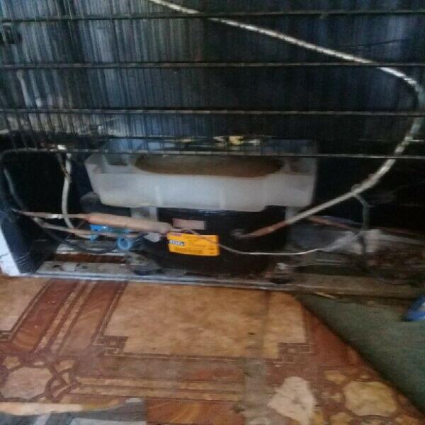 Non working kic double door fridge bottom freezer