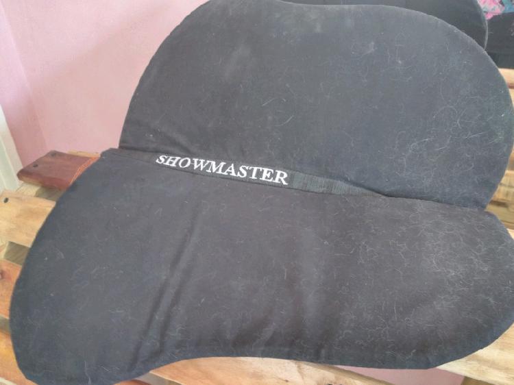 Showmaster extra lift saddle pad