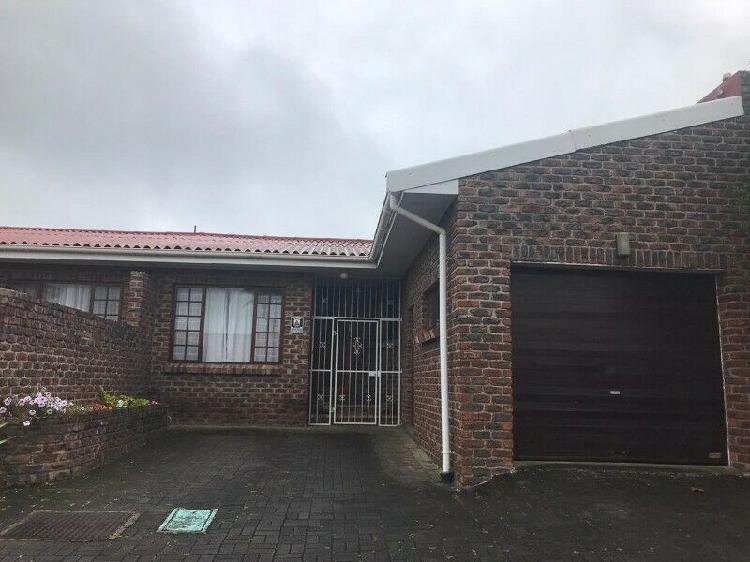 Two bedroom townhouse to rent