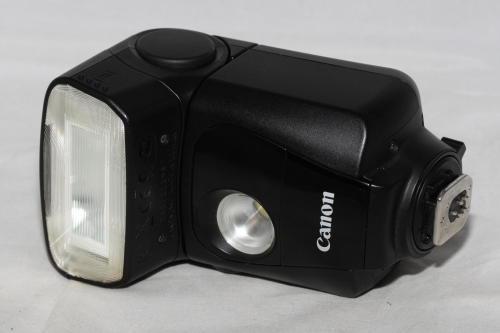Canon 320 ex speedlite flash ***with video light***