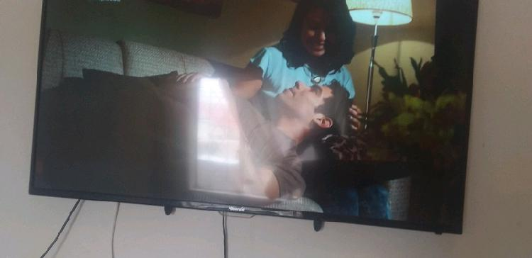 Urgent sale hisense led tv 49inch in perfect working