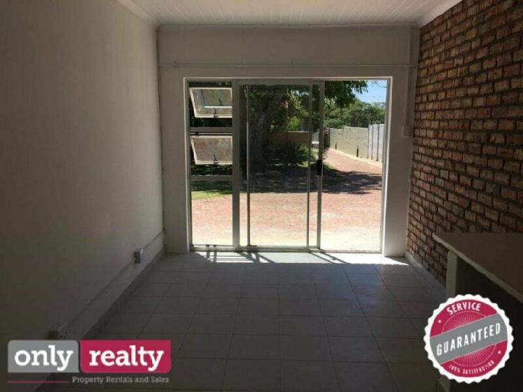 Walmer studio / bachelor apartment for rent