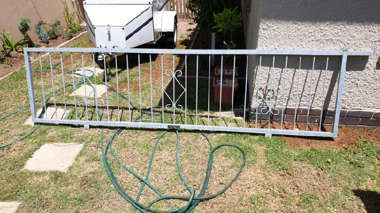 Galvanized driveway gate