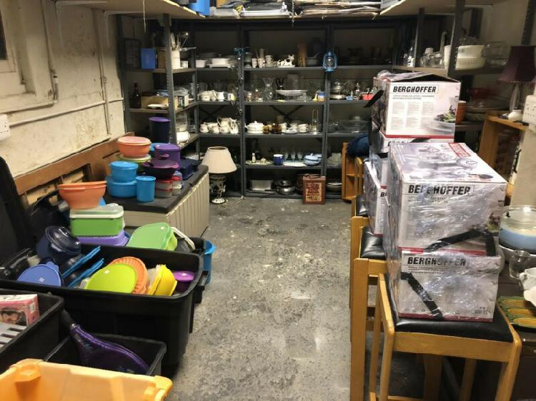 Kitchenware and household items - all excellent - too many