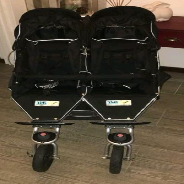 Tfk twins stroller with 2 recaro newborn profi plus car