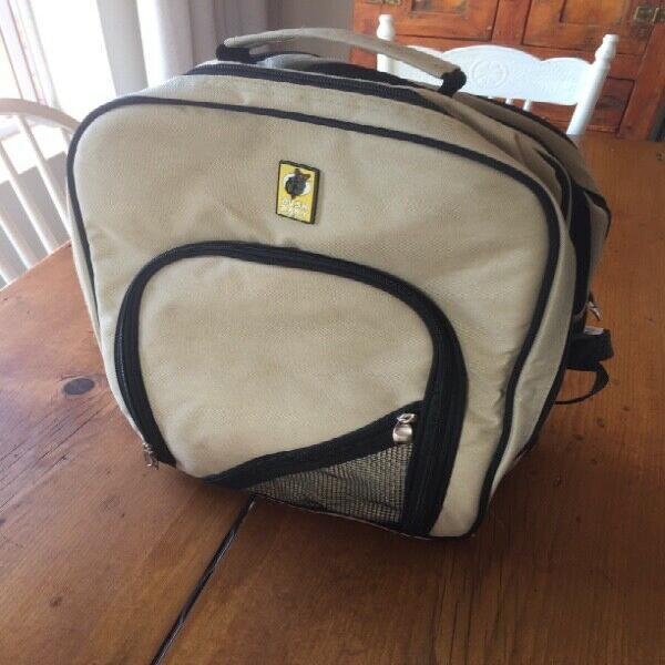 Bush baby picnic backpack