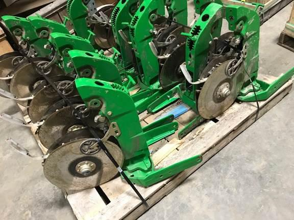 John deere aa59352 xp row unit shank