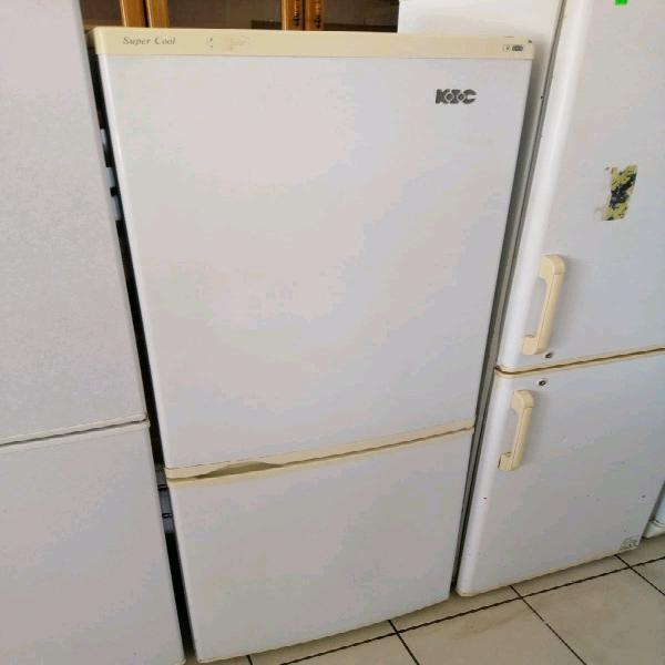 Kic fridge freezer