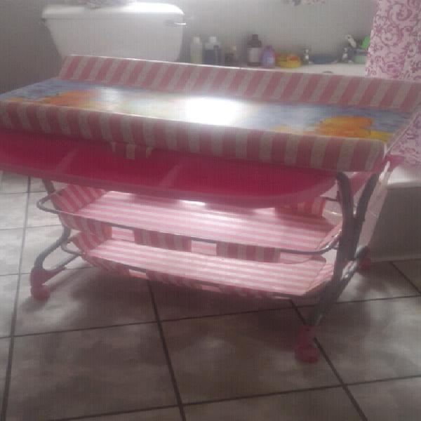 Changing table/bath & camping cot