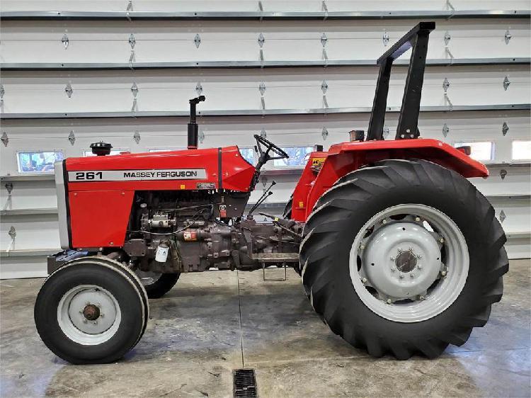 Massey Ferguson 261