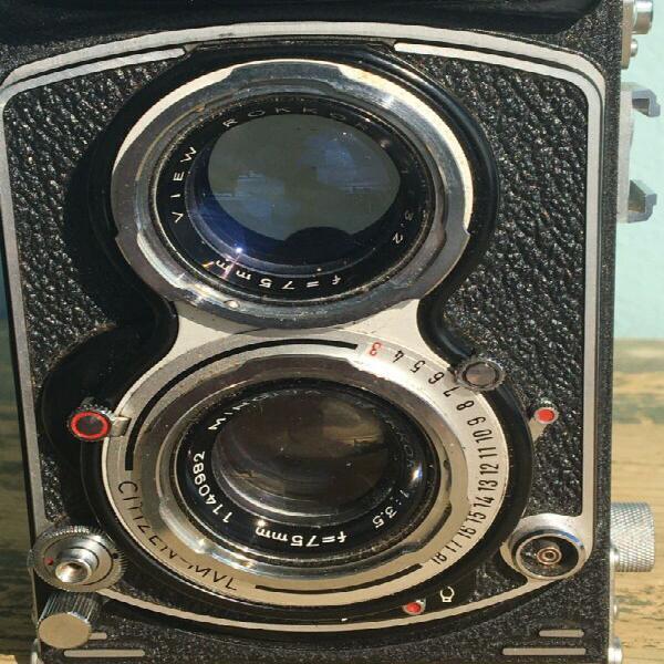 Minolta autocord medium format camera