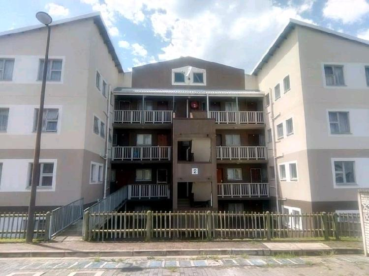 2 bedroom flats available in amalinda