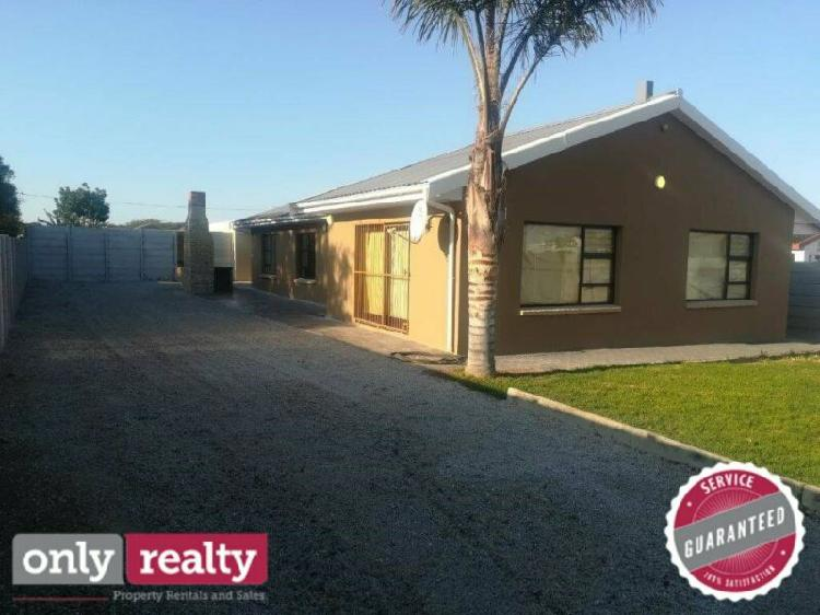 Colchester 3 bed 2 bath house for rent