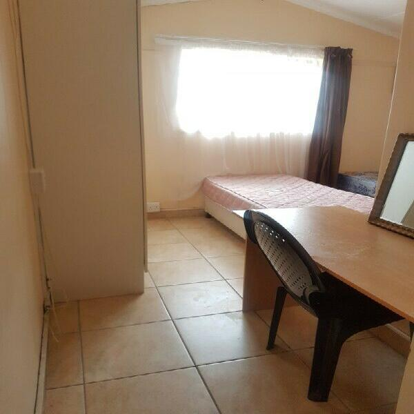 Male student accommodation in forest hill with free wifi,