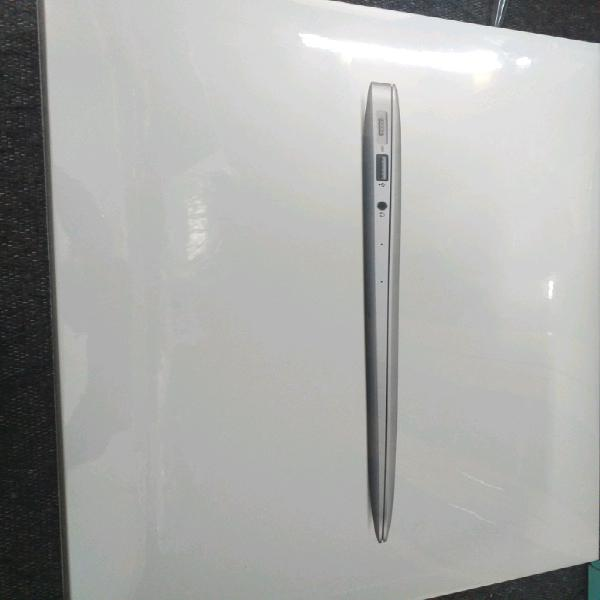 New sealed apple macbook air a1466
