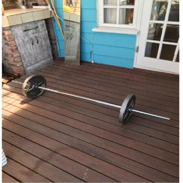 Weight plates and barbell